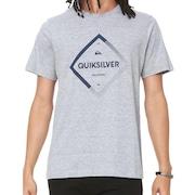 Quiksilver - Boné, Chinelo, Camiseta, Bermuda - Centauro d6bfa42dbb
