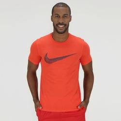 Camiseta Nike Hangtag Swoosh - Masculina - LARANJA ESCURO