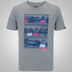 Camiseta Puma Sneaker Photo - Masculina - CINZA