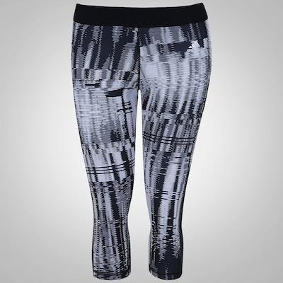 Calça Corsário Estampada com Proteção Solar 50+ adidas Gráfica TechFit - Feminina