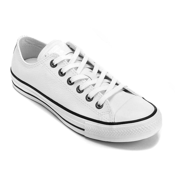 0d732ca1ad7 Tênis Converse All Star Chuck Taylor em Couro - Masculino
