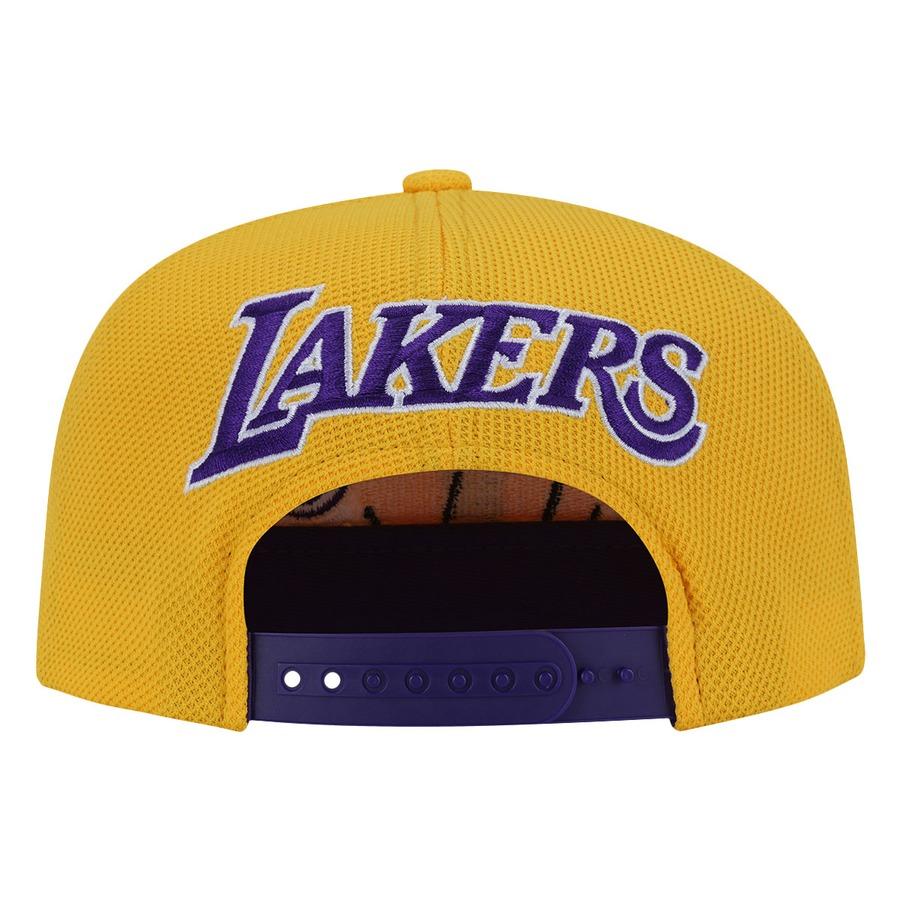 cacb2e5ed5f62 ... Boné Aba Reta adidas Los Angeles Lakers NBA Flat - Snapback - Adulto ...