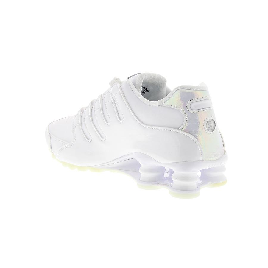 Tênis Nike Shox NZ - Feminino fd090a3eb3233