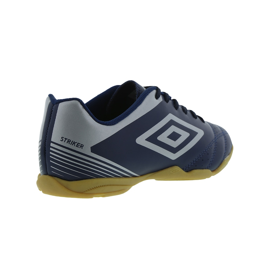 Chuteira Futsal Umbro Striker IV IC - Adulto 947414cd59eb7