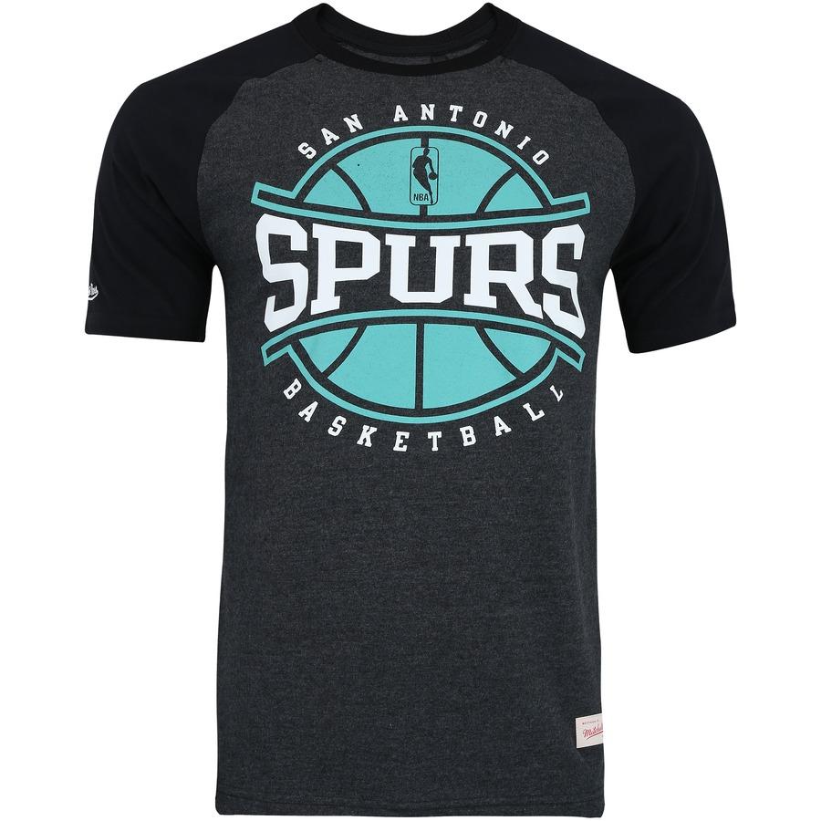 4183011deb Camiseta Mitchell   Ness San Antonio Spurs Raglan Ball In Play - Masculina
