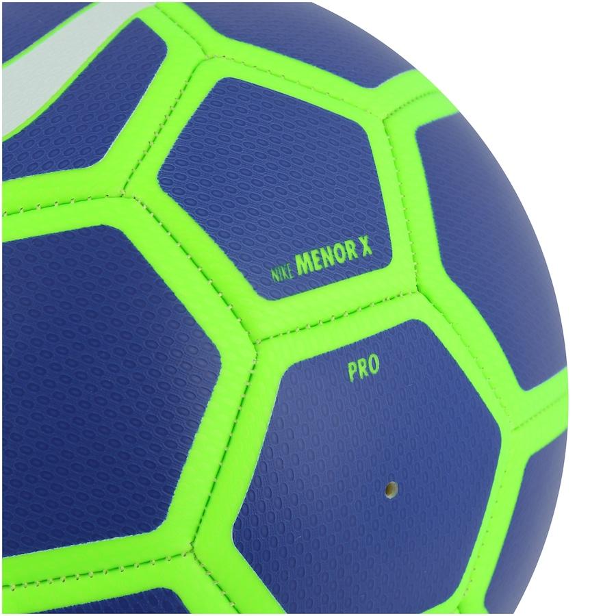 Bola de Futsal da Seleção Brasileira Menor X Nike 9687c53a439c9