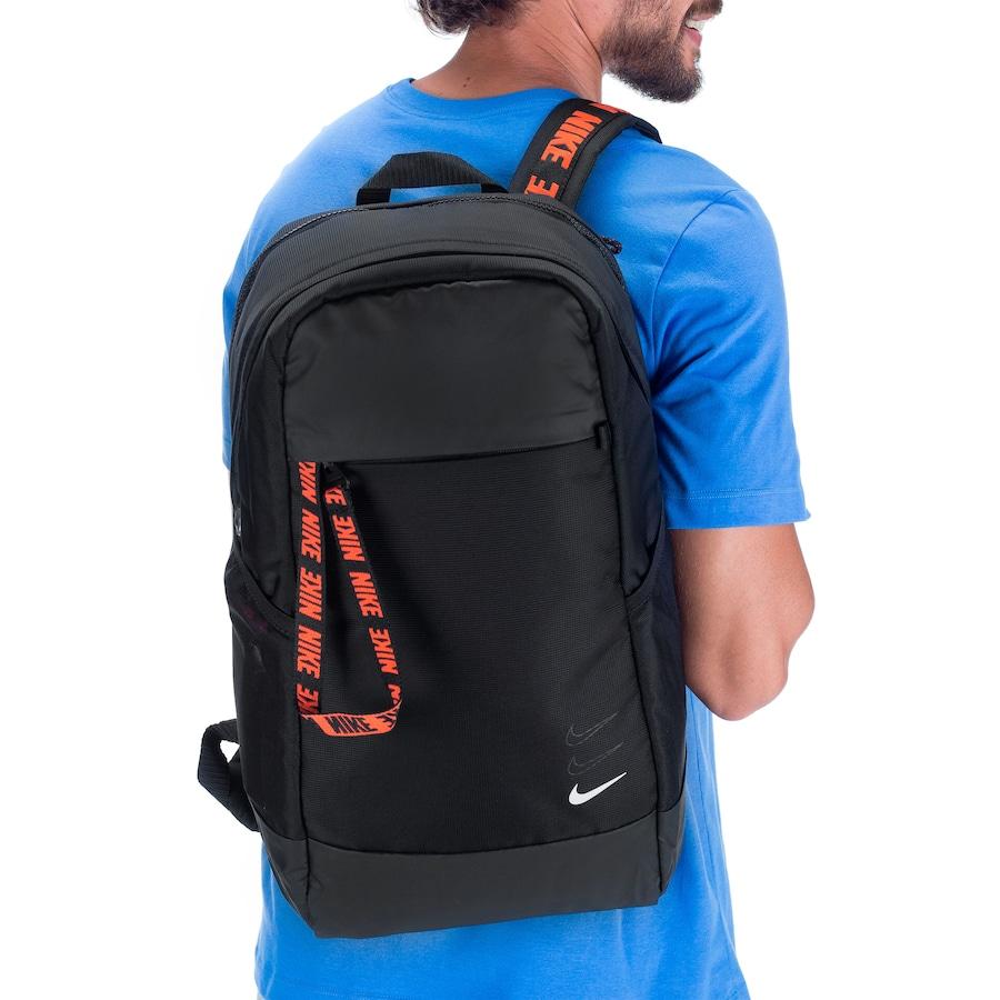 mostrar Shipley En general  Mochila Nike Sportswear Essentials - 21 Litros - Centauro