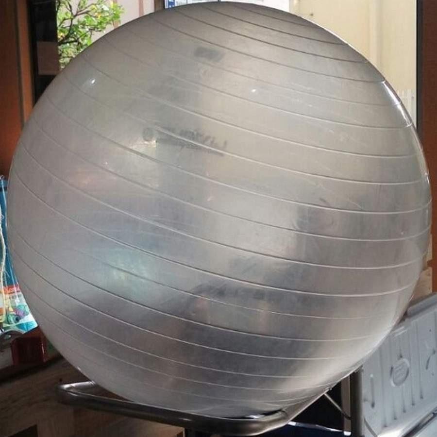 Bola de Pilates Suiça LiveUP LS3221 T65 Transparente - 65cm cc11740f17005