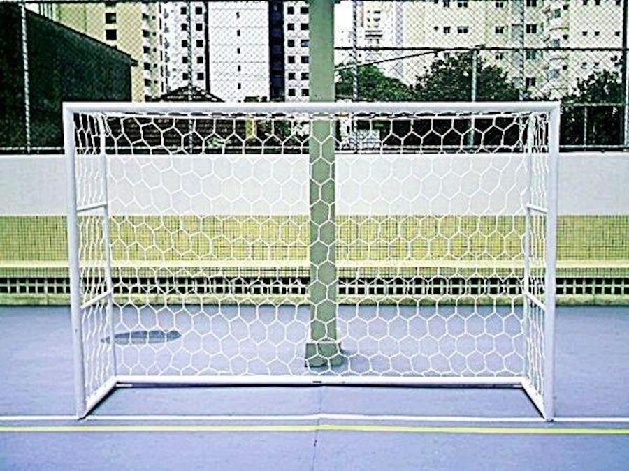 Rede de Gol Futebol de Salão Colmeia Fio 4mm Seda - 1 Par f711a801c5b0a